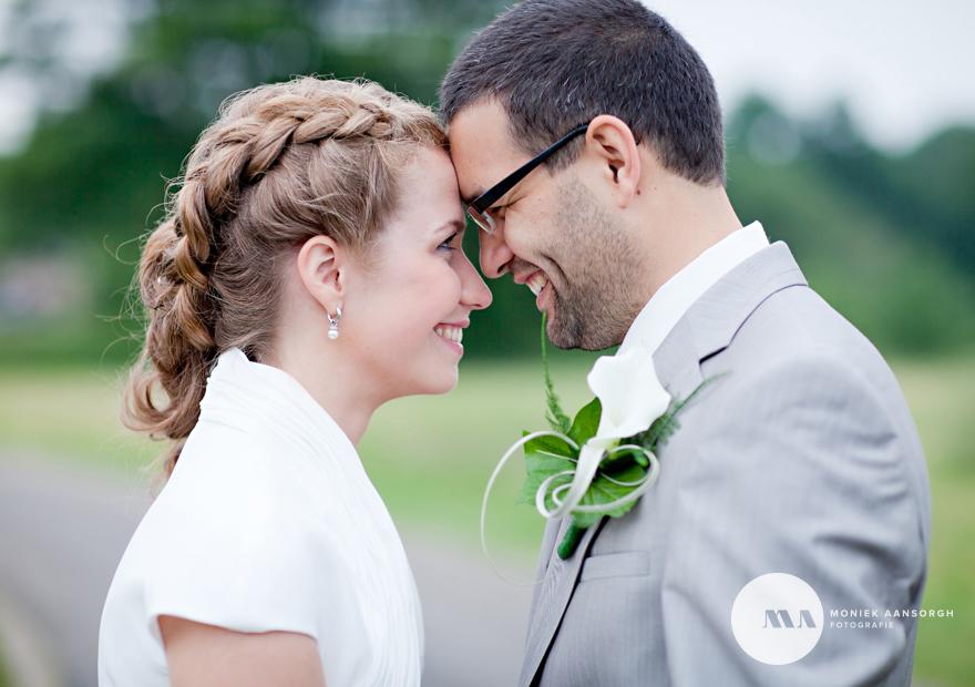 Bruidsfotografie Eibergen   Jorieke en Christiaan trouwden in de regen met een lach